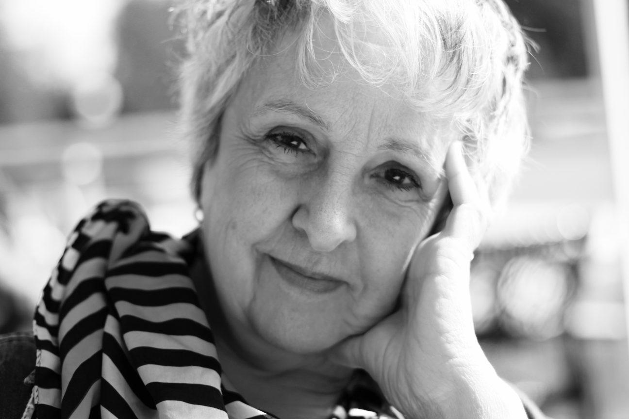 Photo en noir et blanc de la chanteuse argentine Georgina Aguerre